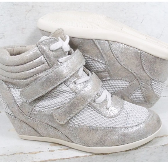 c863cadd9e7 Madden Girl Shoes - Madden Girl Hickorry Metallic Sneakers Shoes 8.5